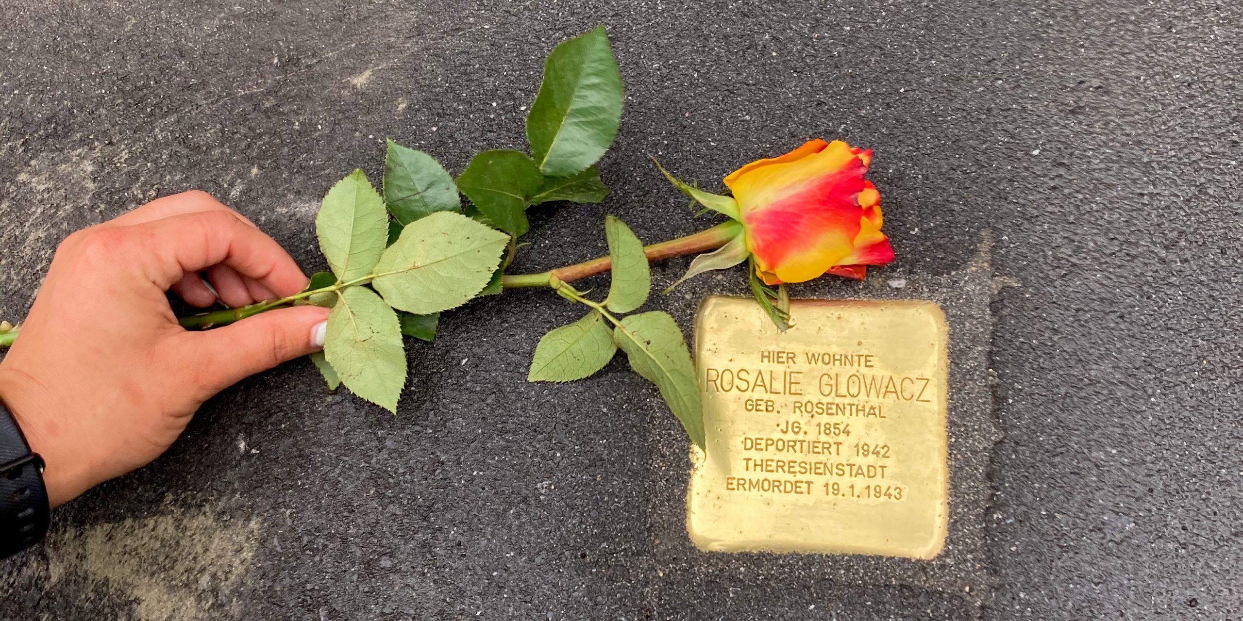 Stolpersteinverlegung und Gedenken an die Familie Rosenthal